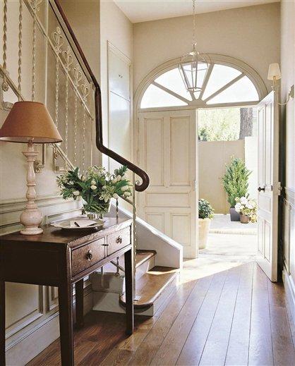 M s de 30 recibidores para embellecer la entrada de tu for Muebles para la entrada de la casa
