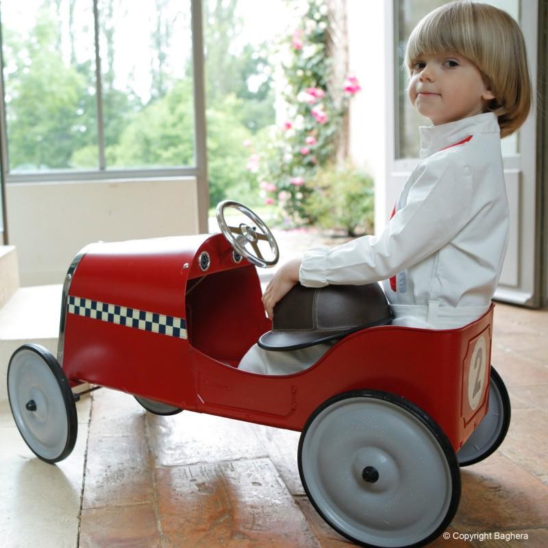 Coche a pedales Baghera Legend rojo