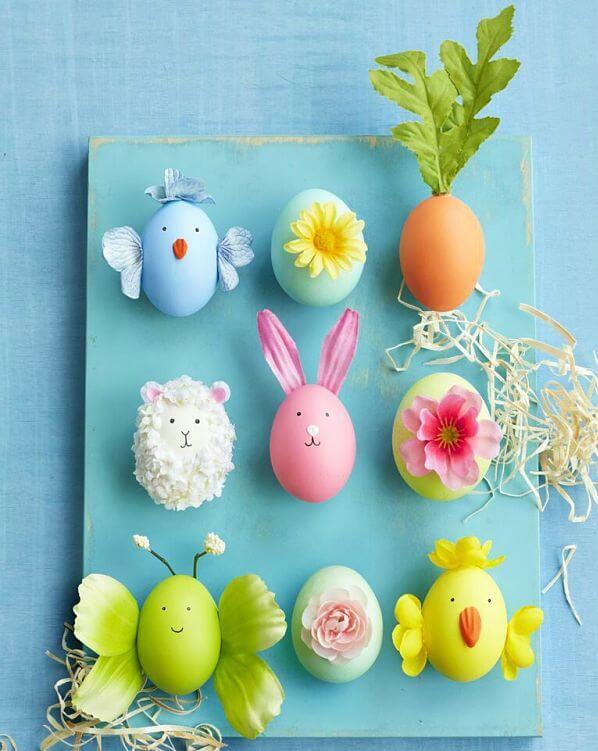 Huevos de Pascua con flores artificiales