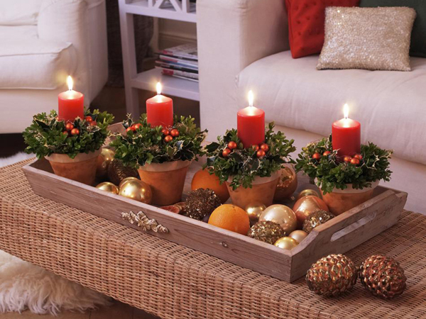Decoración Navidad con velas rojas