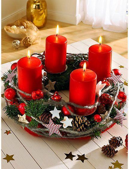 Corona Navidad con velas rojas y estrellas