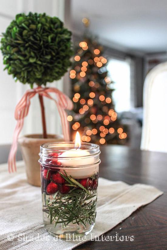 Decoración con velas navideñas flotantes