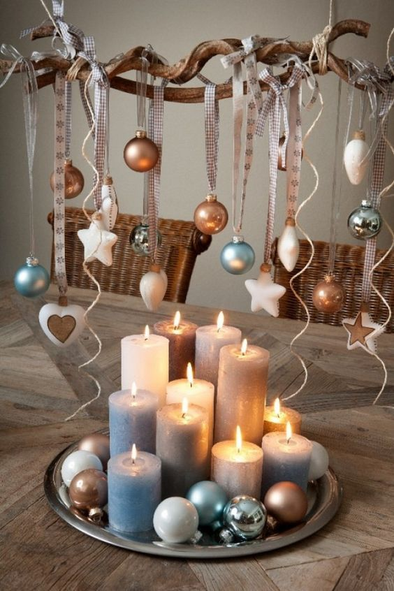 Decoración Navidad con velas y bolas