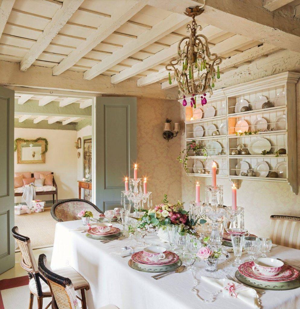 Mesa de Navidad romántica