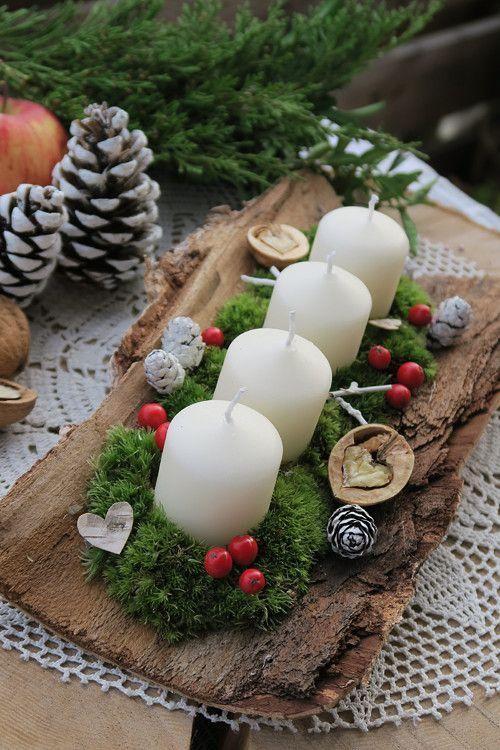 Velas navideñas blancas en exterior