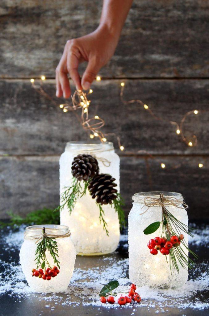 Manualidades Navidad: tarros de cristal con luces