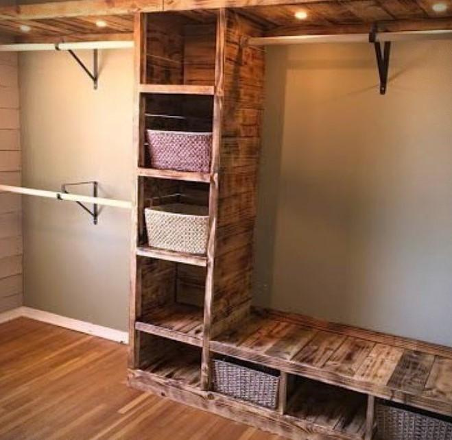 Armario rústico con madera reciclada