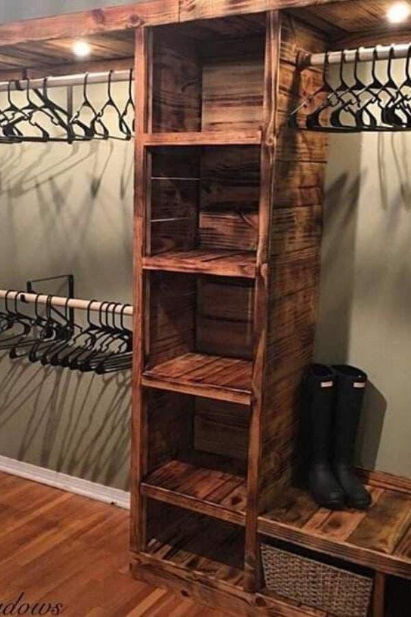 Armario rústico de madera reciclada